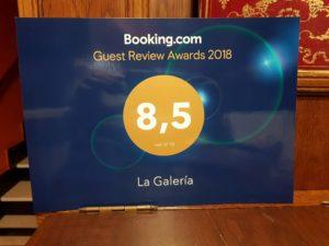 puntuacion del hotel la galeria de san sebastian en booking. un 8,5, opiniones de los huespedes del hotel