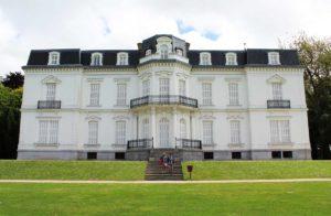 fotografia del palacio de aiete de san sebastian donostia, residencia de Alfonso XIII, francisco franco y los duques de bailen
