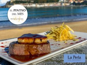 en el Bar restaurante La perla de San Sebastián puedes degustar este pintxo de solomillo con foie, con vistas a la bahia de la concha. Un pintxo perfecto para comer después de ir a la talasoterapia