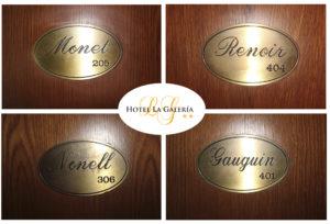 el hotel la galeria es un hotel con encanto de san sebastian cuyas habitaciones toman el nombre de conocidos pintores y artistas es como visitar una galeria de arte