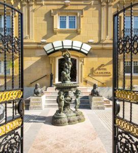 el hotel la galeria es un concepto de hotel diferente, inspirado en el arte, estamos en san sebastian donostia